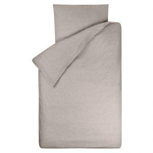 Dekbedovertrek Bo zand 120x150, gemaakt van een zachte chambray in de kleur zand (nepal/beige) voor peuter- juniordekbed.