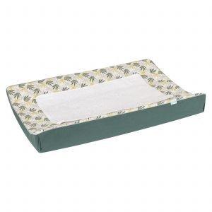 Waskussenhoes Seb heeft een leukebladeren print in mooie kleuren zoals tijmgroen, limegroen en lichtgrijs op een frisse witte ondergrond met handig afneembaar badstof dekje.