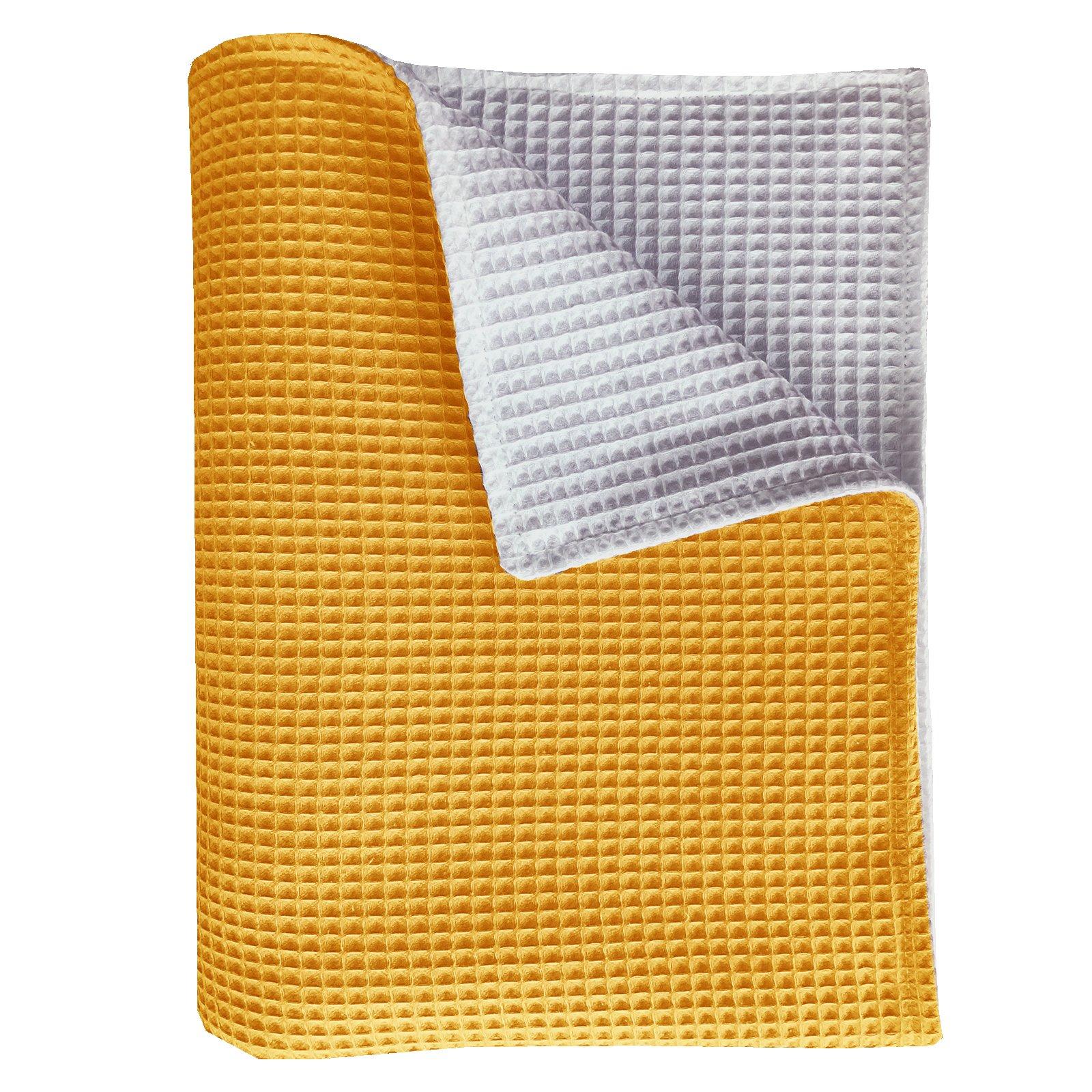 Wiegdeken Pique oker/wit 75x100. Een mooie handige deken/plaid van zacht 100% katoen wafelstof en tweezijdig te gebruiken.